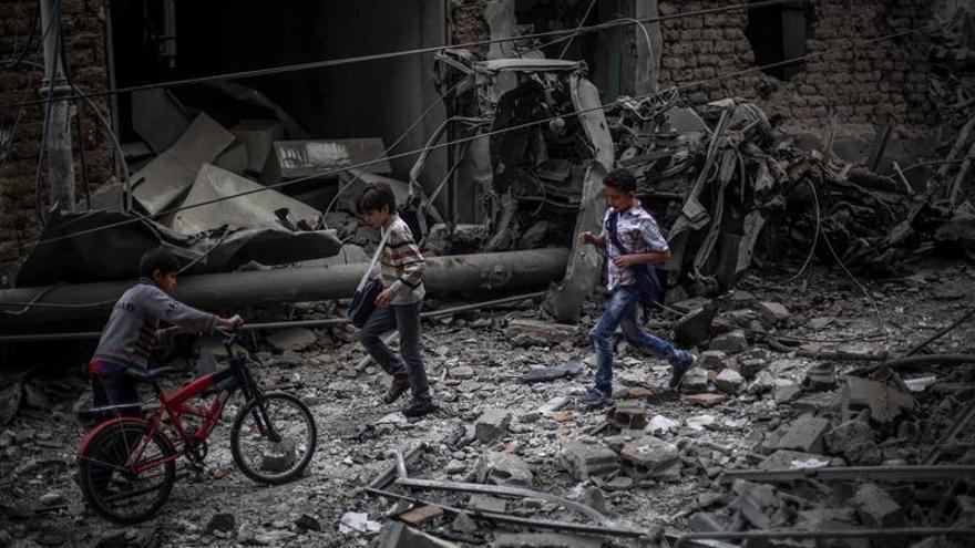 Mueren 20 personas en bombardeos aéreos en la periferia de Damasco