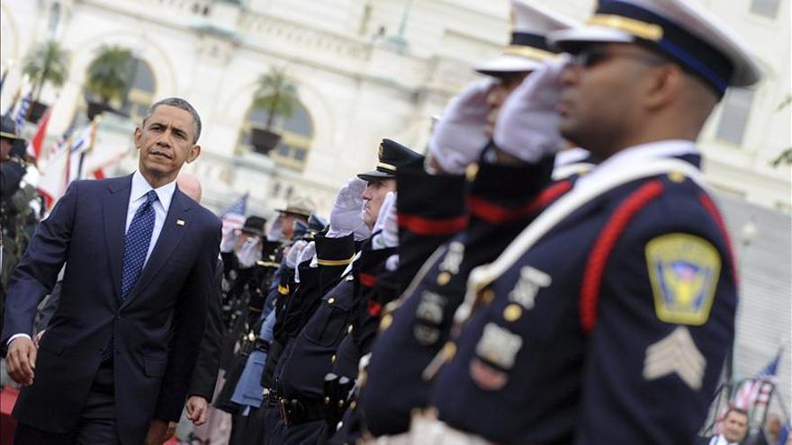 Obama rinde homenaje a los policías caídos en acto de servicio