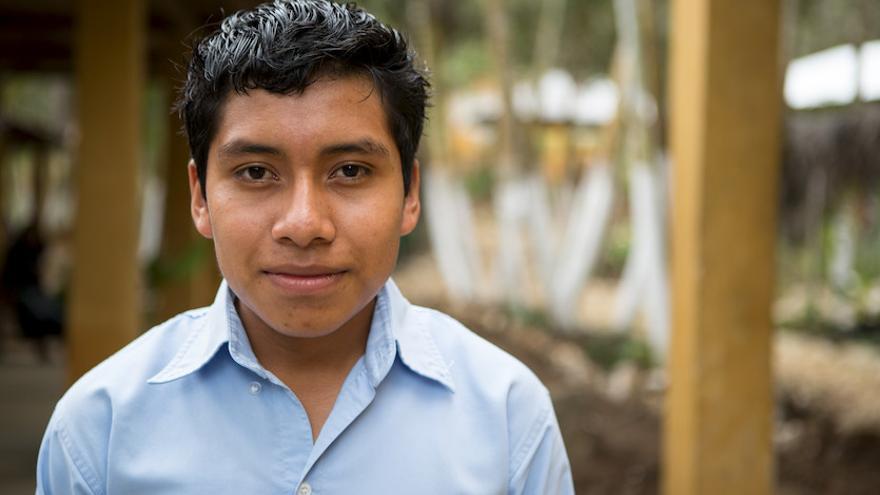 Alejandro Gutierrez Álvarez tiene 14 años y estudia en la escuela Emiliano Zapata, en Guaquitepec (México).
