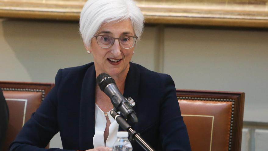 La Fiscal General del Estado, María José Segarra en la entrega de las condecoraciones a la Fiscalía General del Estado.