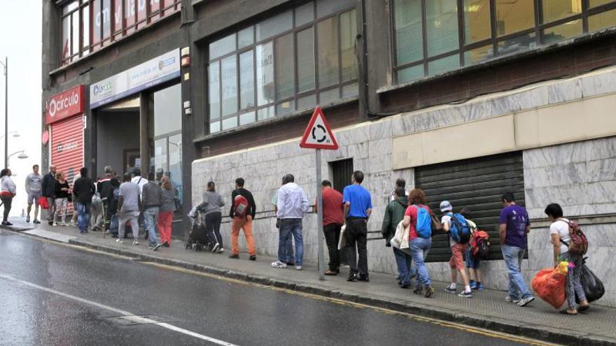 La OCDE pide a España equiparar los costes de contratos temporales y fijos