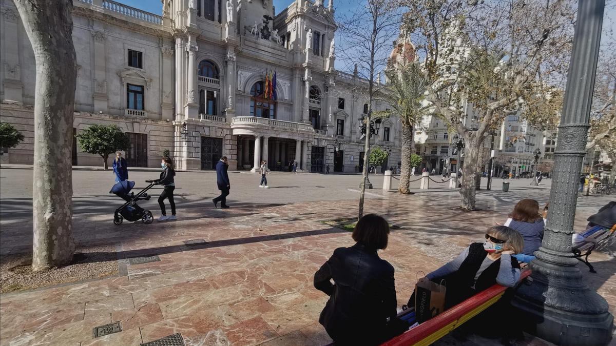 Façana principal de l'Ajuntament de València.