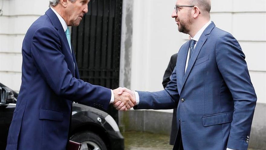 Kerry afirma que el EI atenta en Europa porque está perdiendo en Irak y Siria