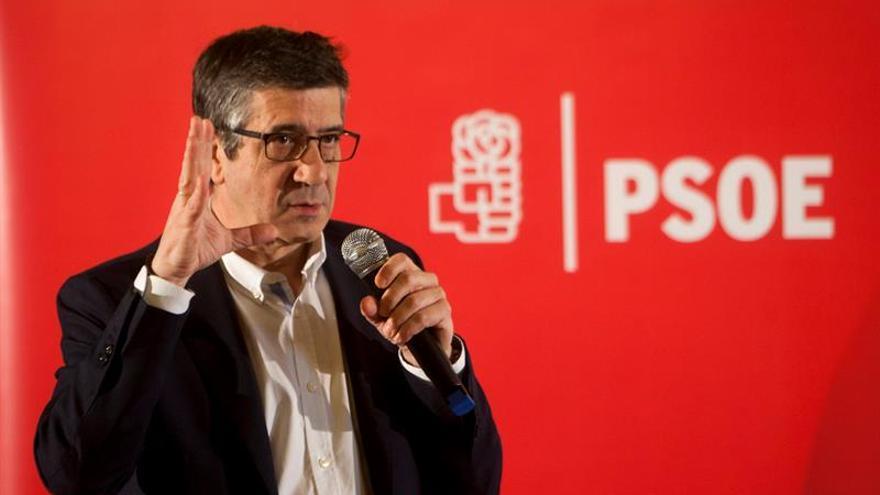 """Patxi López reivindica """"no pasar facturas, sino sumar y unir al PSOE"""""""