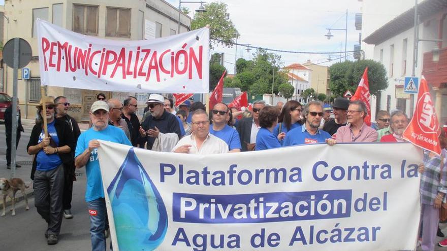 Manifestación contra la privatización de Aguas de Alcázar / Plataforma