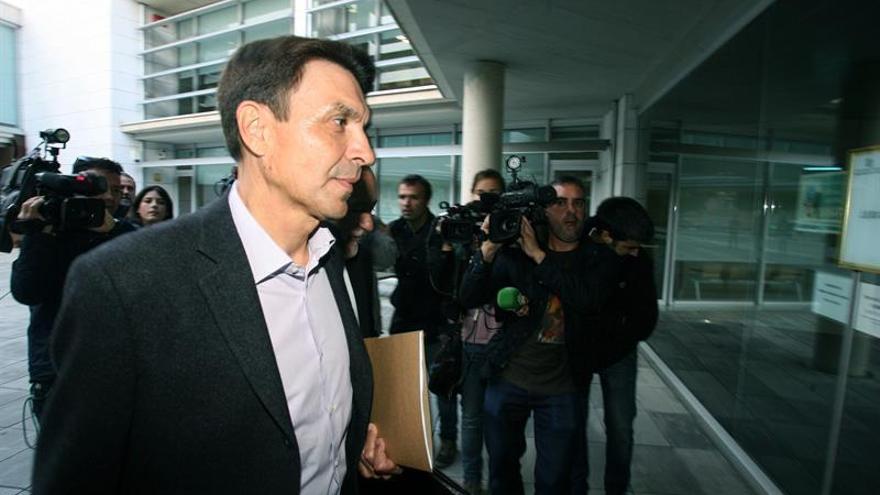 El Govern rescinde el contrato a Josep Antoni Rosell por pérdida de confianza