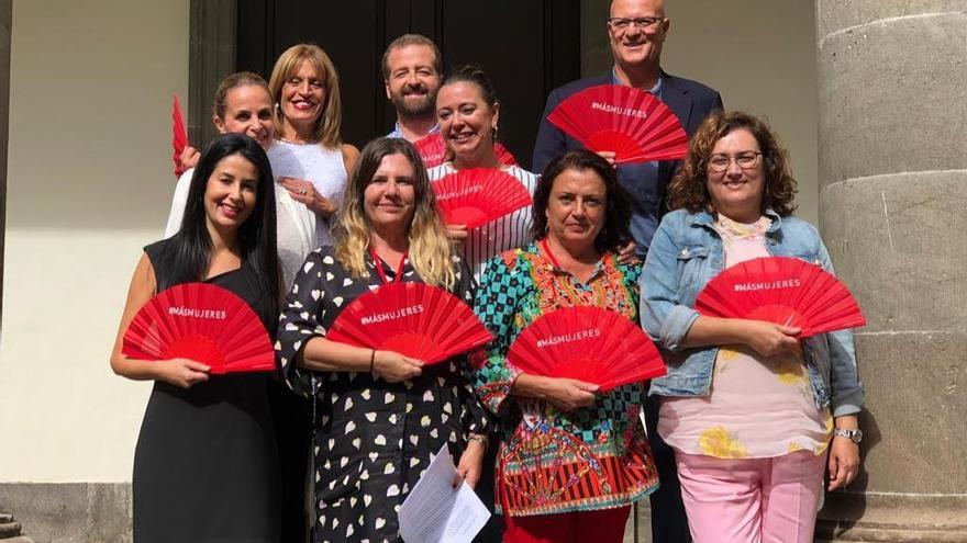 Presentación de la delegación de Canarias de las asociación CIMA a los grupos parlamentarios canarios.