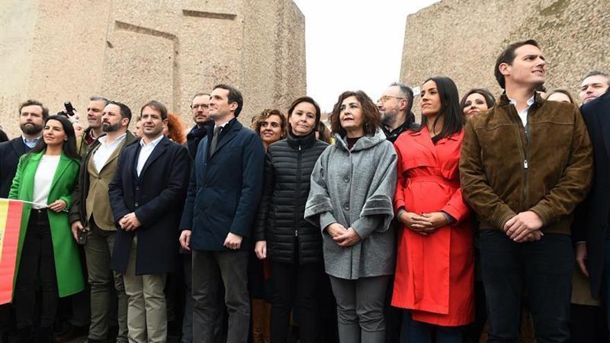 Dirigentes de Vox, PP y Ciudadanos, en la Plaza de Colón.
