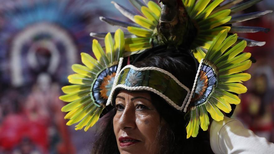 Danzantes mexicanos bailan para conquistar el corazón de nuevas generaciones