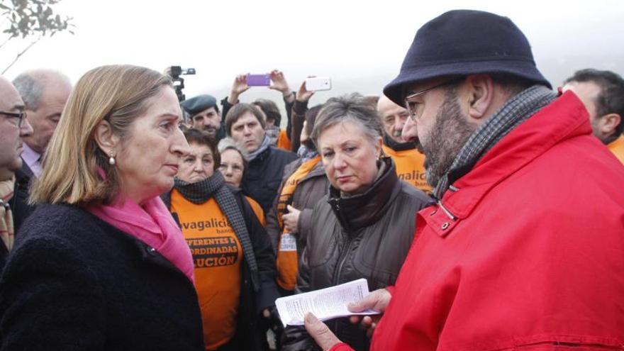 """Preferentistas y emigrantes piden a Pastor una """"solución política"""" a sus demandas"""