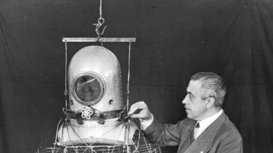 La escafrandra diseñada por el granadino Emilio Herrera, prototipo de los trajes espaciales.