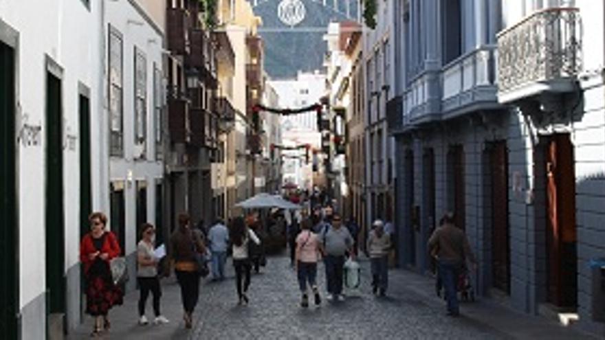 Los comercios del casco histórico de Santa Cruz de La Palma toman las calles