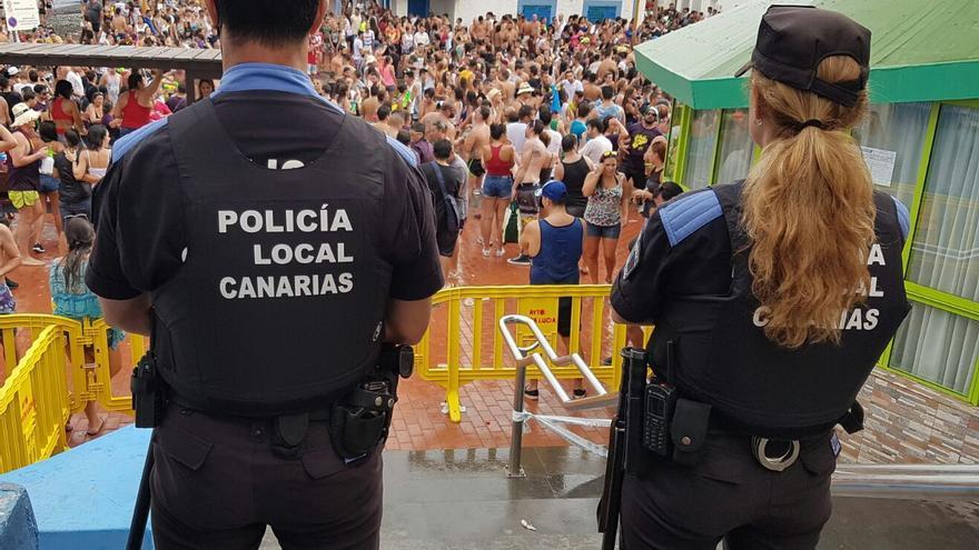 El número de mujeres es escaso en la Policía Local de Canarias.