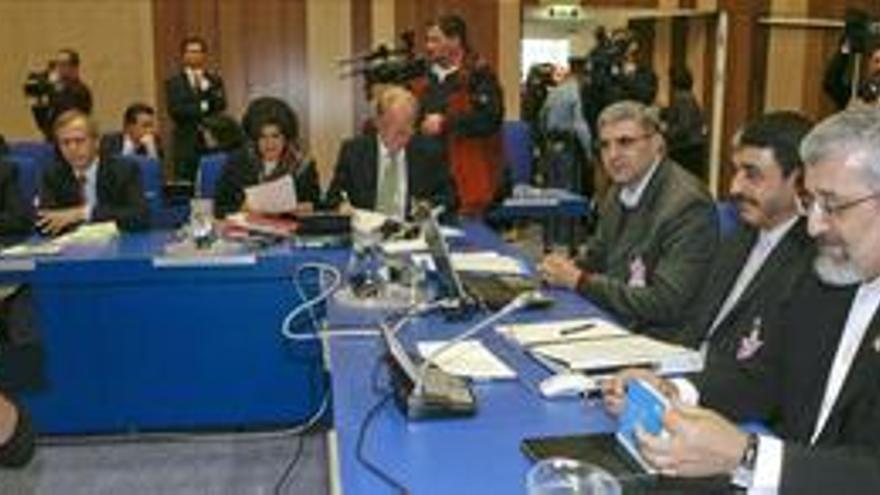 """Concluye la reunión entre Irán y el Grupo 5+1 con """"un buen comienzo"""""""