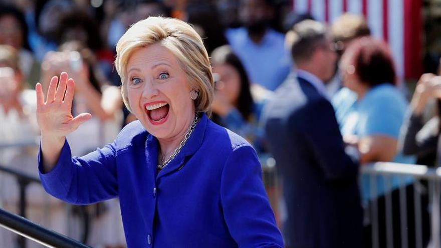 Clinton aventaja en 48 puntos a Trump entre los votantes hispanos