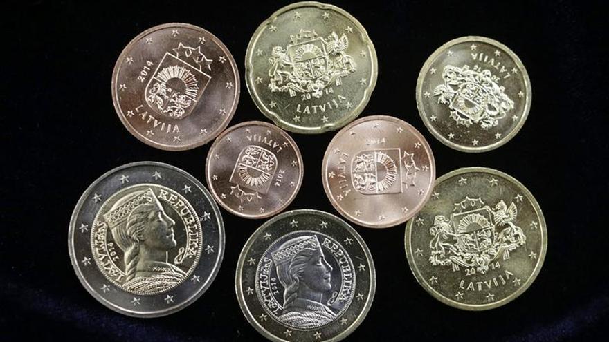El euro sube hasta 1,1774 dólares