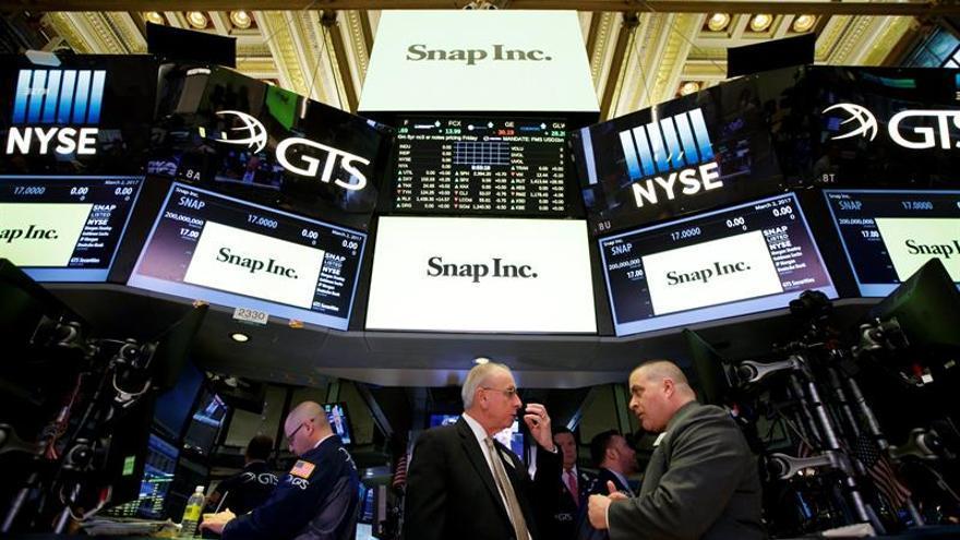 Wall Street abre con pérdidas y el Dow Jones cae un 0,52 %