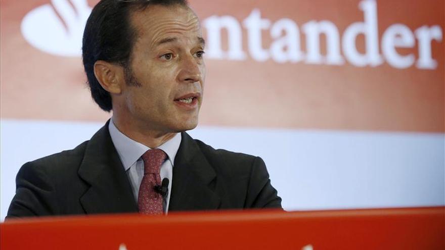 El Santander ganó 5.816 millones de euros en 2014, un 39,3 % más que en 2013