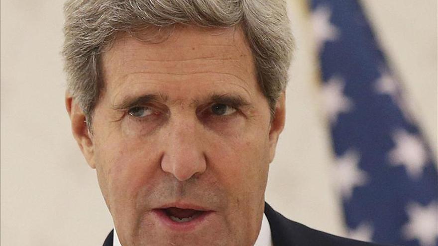 Kerry subrayará en París y Kuwait la importancia del foco humanitario en Siria