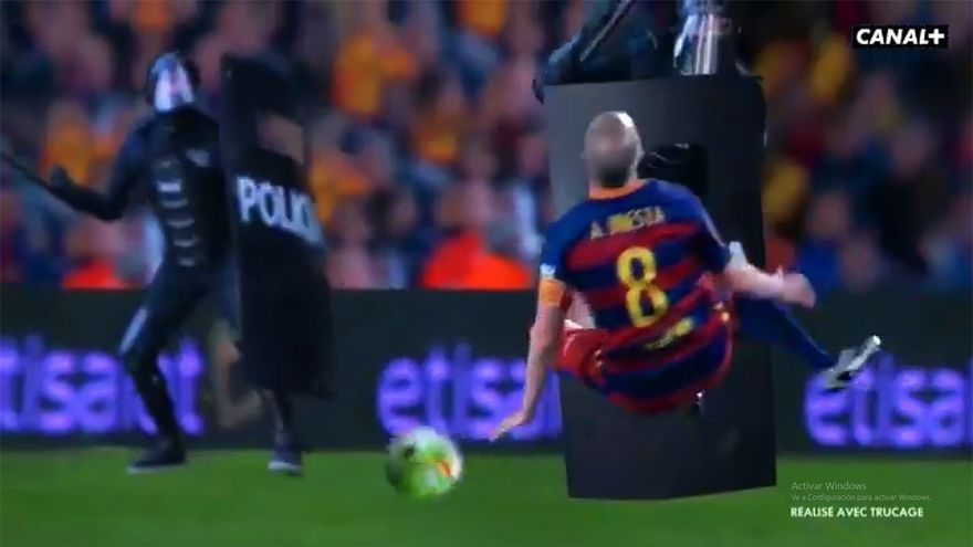 Canal+ Francia parodia el clásico Madrid-Barça con antidisturbios y Rajoy