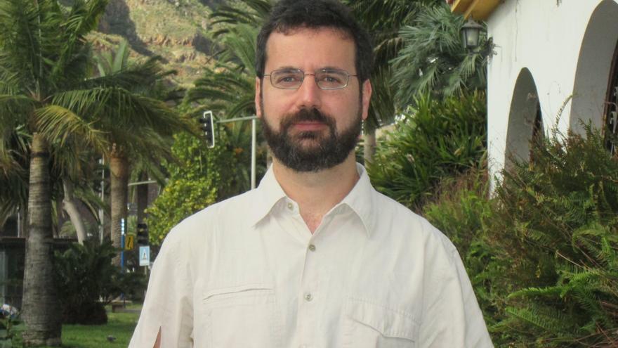 Ramón Plana se encuentra en la Isla realizando un estudio. Foto: LUZ RODRÍGUEZ.