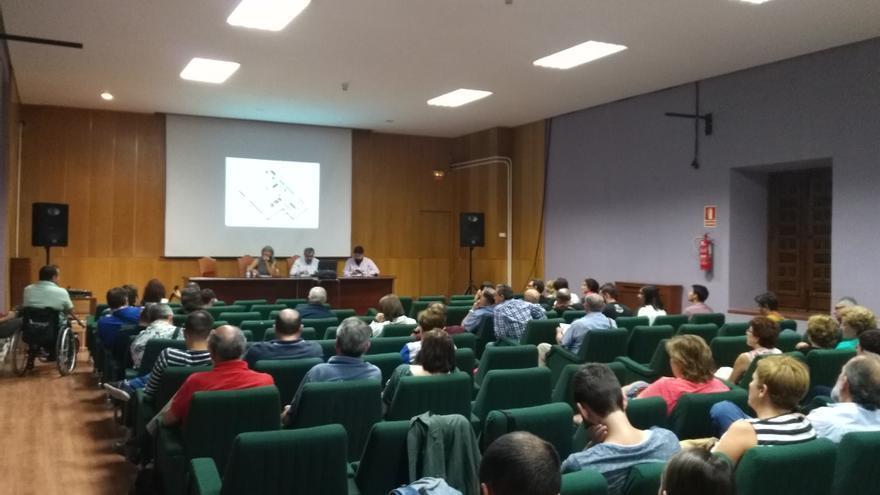 La primera reunión de Abraza el Infantado contó con una gran asistencia de público