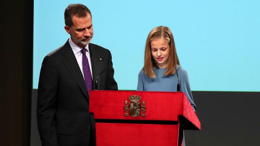 La princesa Leonor lee la Constitución Española durante un acto en el Instituto Cervantes