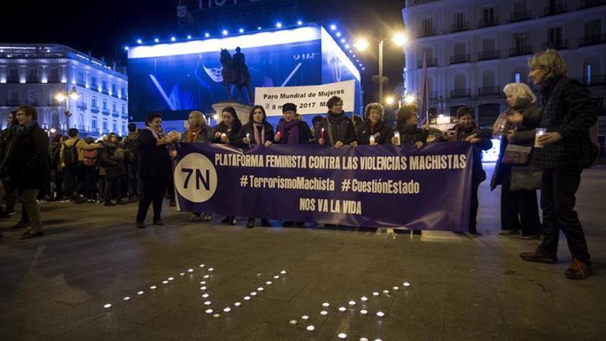 Chocolate y churros tras un mes en huelga de hambre contra la violencia machista