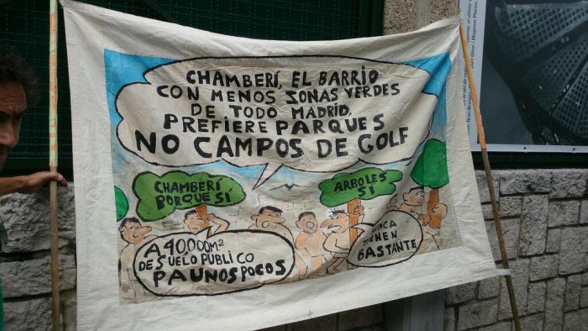 Pancarta de protesta de Parque Sí en Chamberí
