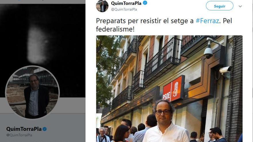 Quim Torra, ante la sede del PSOE el 1 de octubre de 2016