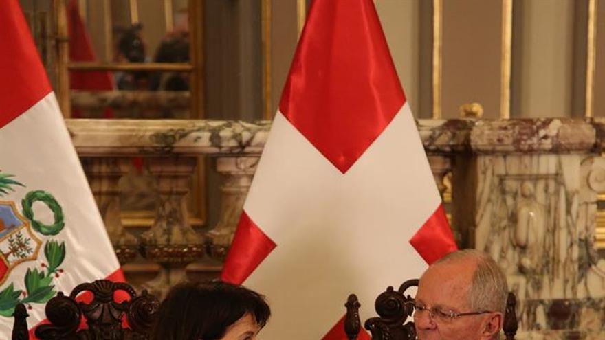 Los presidentes de Suiza y Perú se reunirán en privado en Lima