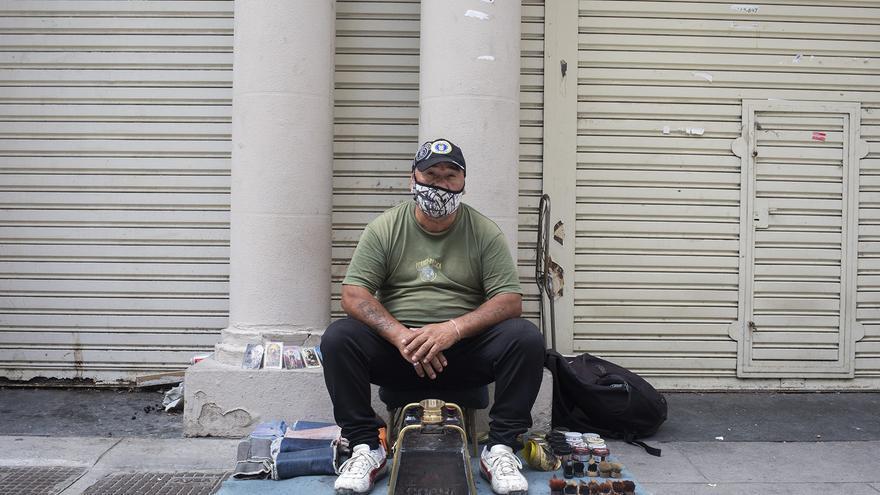 Alberto Chávez, lustrabotas de la calle Florida