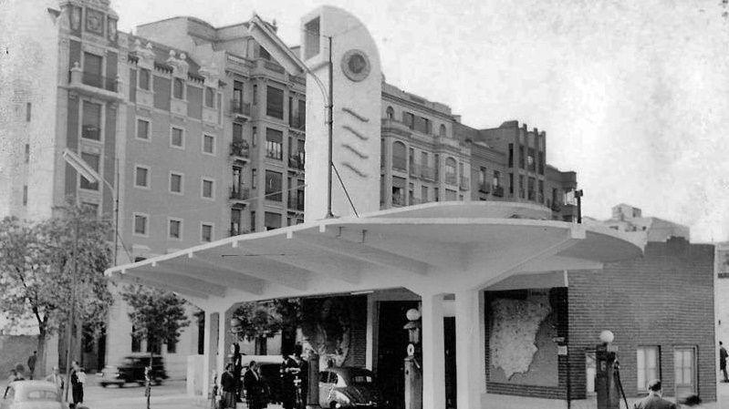 Porto Pi, la gasolinera racionalista que fue demolida con nocturnidad… y después reconstruida
