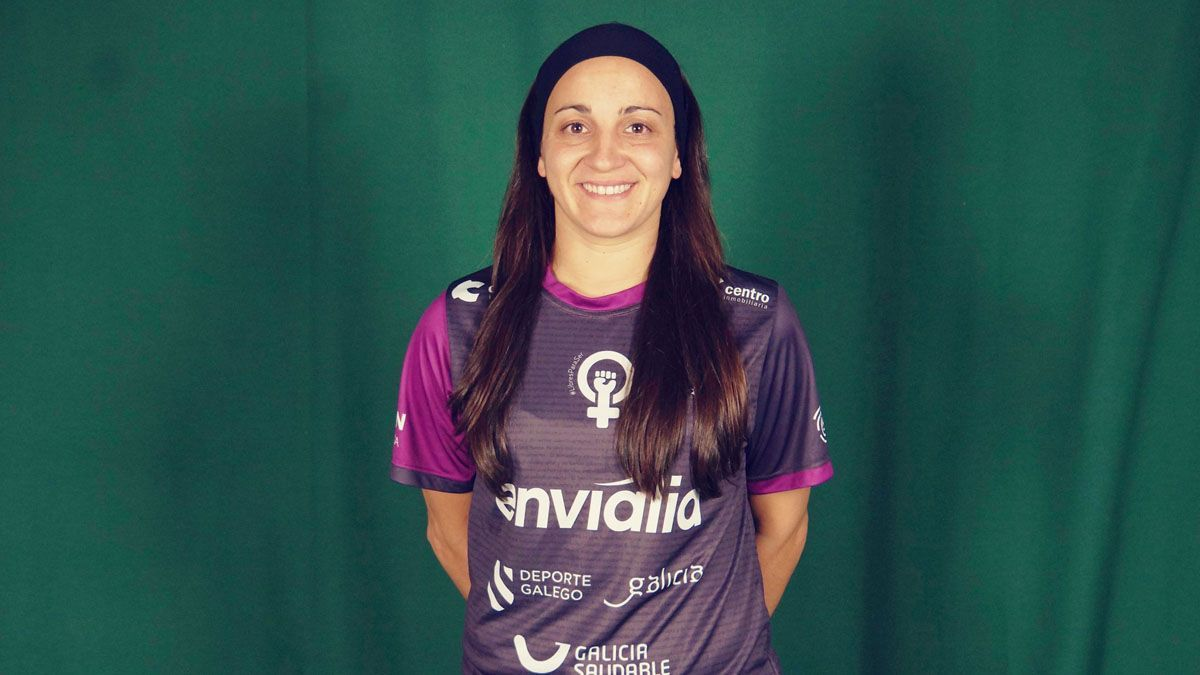 Sara Moreno, con la elástica del Envialia Ourense.