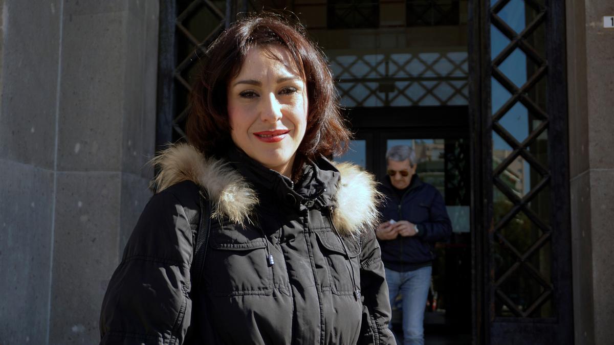 Juana Rivas a su salida de una vista por la custodia de los hijos de la madre de Maracena en los juzgados de Cagliari, Cerdeña. EFE/Jorge Ortiz/Archivo