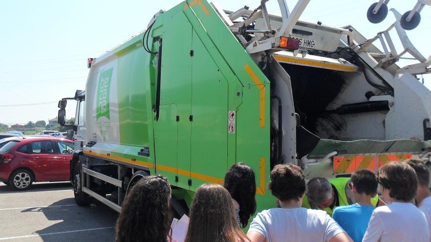 La campaña está organizado por el Consistorio y por la empresa concesionaria de la limpieza municipal.