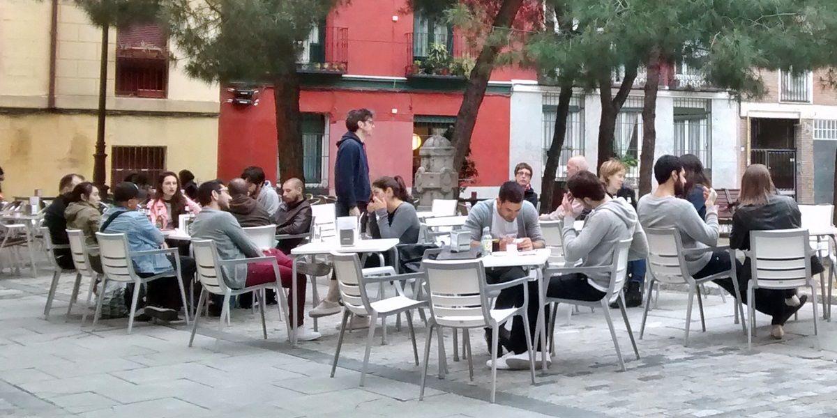 Terrazas en la plaza de las Comendadoras | SOMOS MALASAÑA