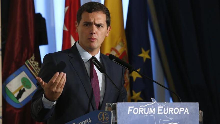 Rivera a PP y PSOE: Si no negocian nos condenan a una crisis sin precedentes