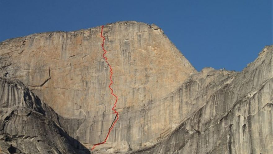 'Un pas més' (A4/A4+ 6a, 530m) (© Zeb Engberg).