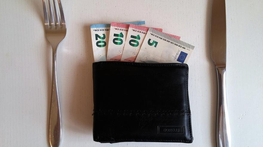 Dinero para gastos personales   PIXABAY