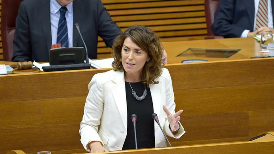 Noelia Hernández, en las Corts Valencianes.