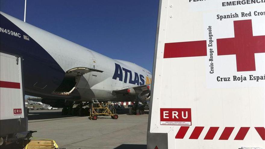 La ayuda española llega a Filipinas, donde no hay noticias de los siete españoles