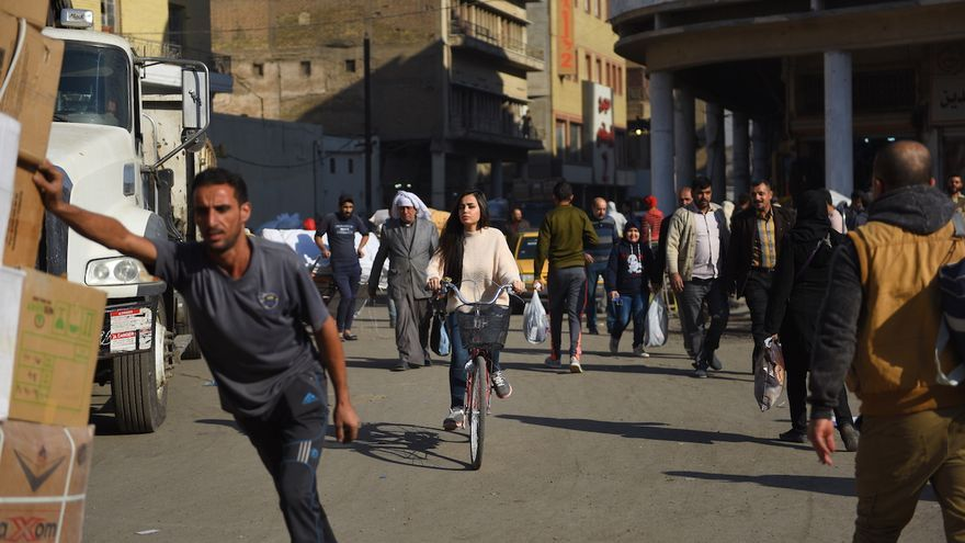 """Bajo el lema """"I am society"""", la artista quería mostrar el impacto social de ver a una mujer montando en bicicleta   Imagen: Ayman al Amir"""
