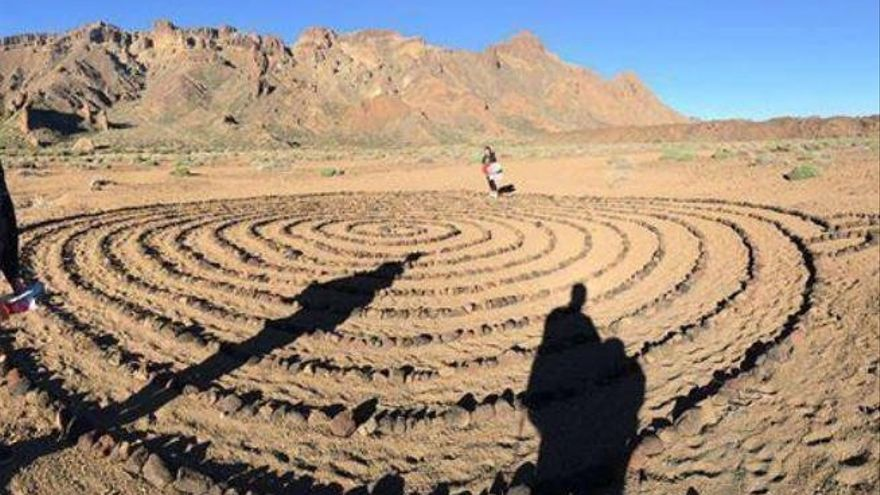 Se traslada a la Guardia Civil el informe sobre la espiral de piedras hallada en el Parque Nacional del Teide