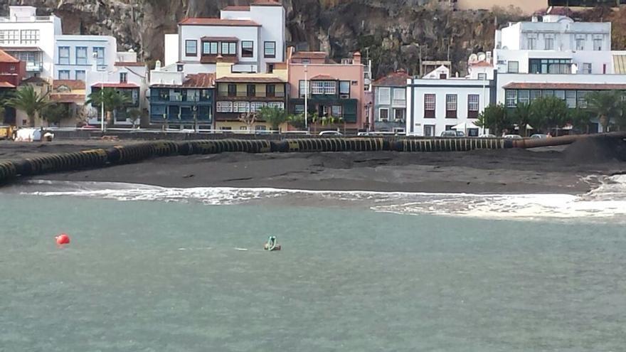 Vista de la playa desde el mar.