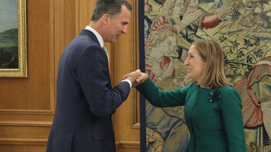 El Rey recibirá el lunes a Ana Pastor para analizar qué pasos dar tras investidura fallida de Rajoy