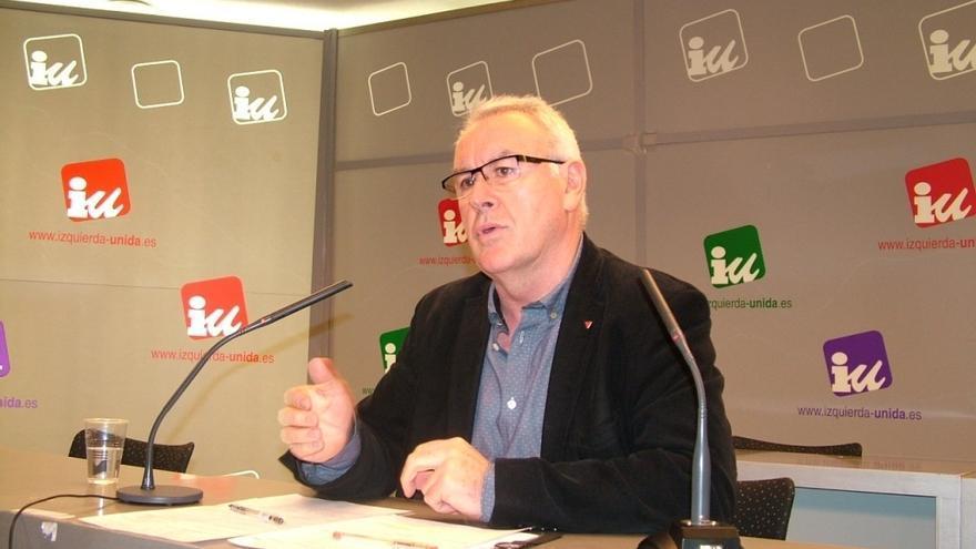 Cayo Lara emplaza al Gobierno a hacer reformas legales para facilitar el ejercicio del derecho a decidir en Cataluña