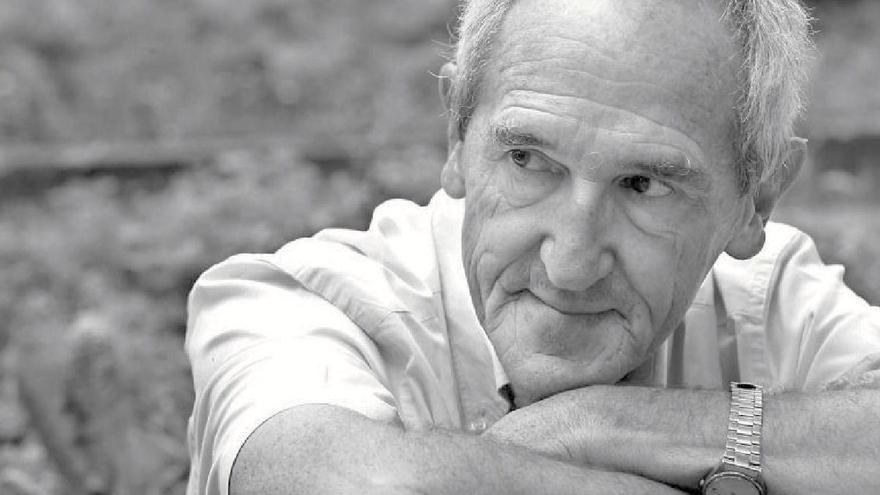 Ángel Olaran lleva desde 1971 como cooperante en África.