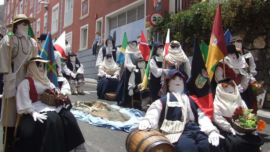 En la imagen, mayos de la plaza Periodista Juan Francisco Pérez.