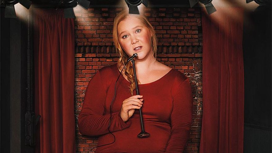 Amy Schumer en el cartel promocional de 'Growing'